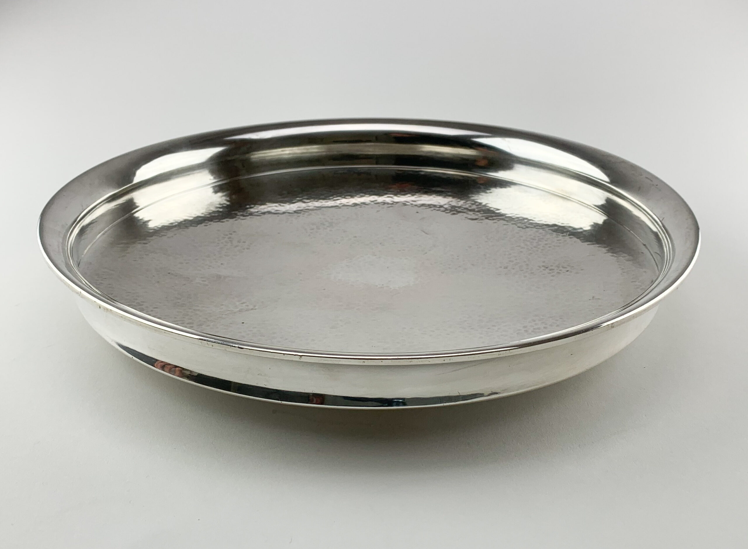 TW silver dish web-1479