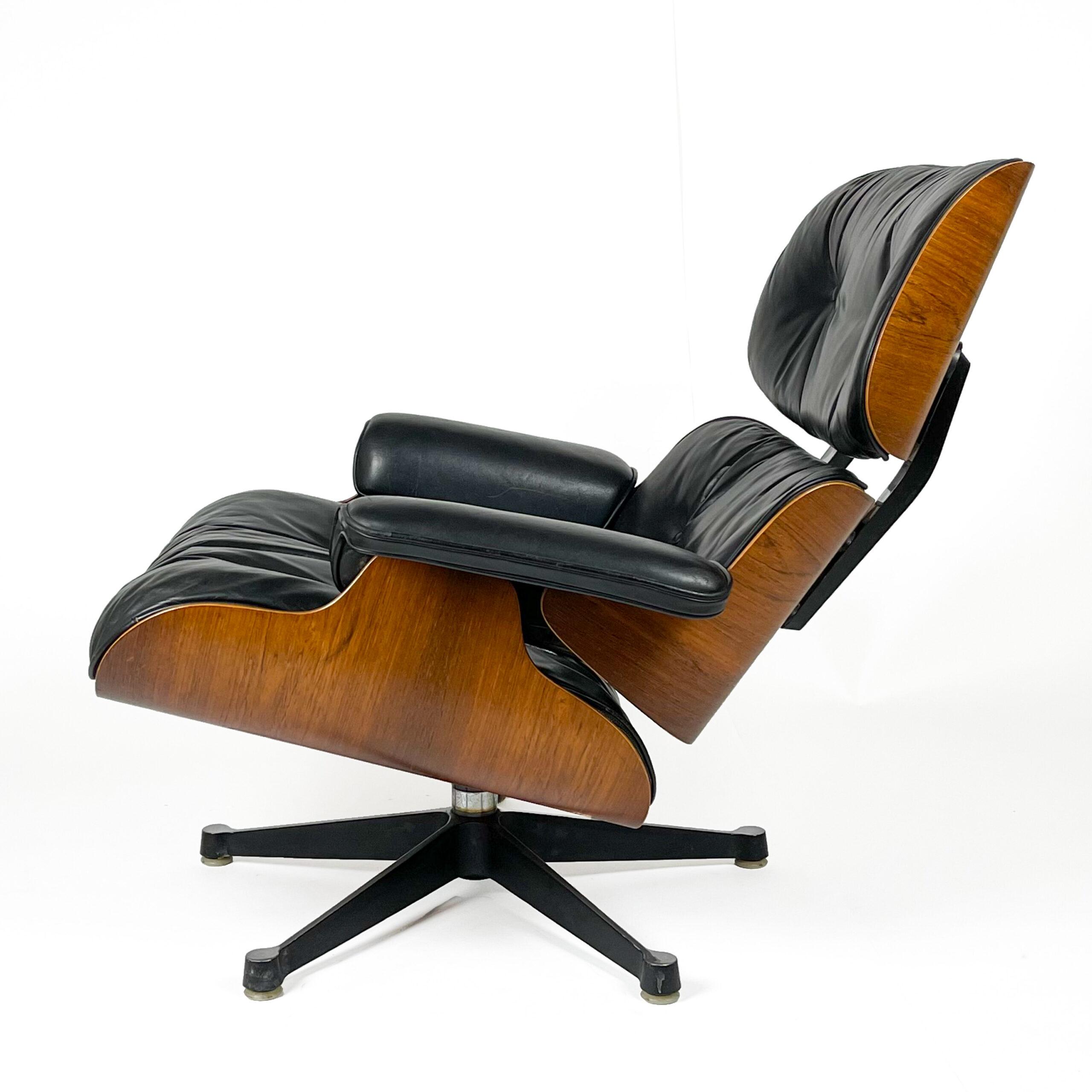 Eames Lounge Ottoman web-1133